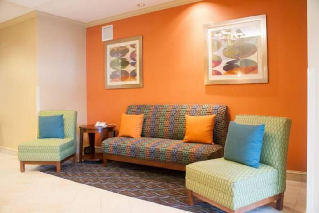 Vista Interior Holiday Inn Express Hotel And Suites Jacksonville South - I-295