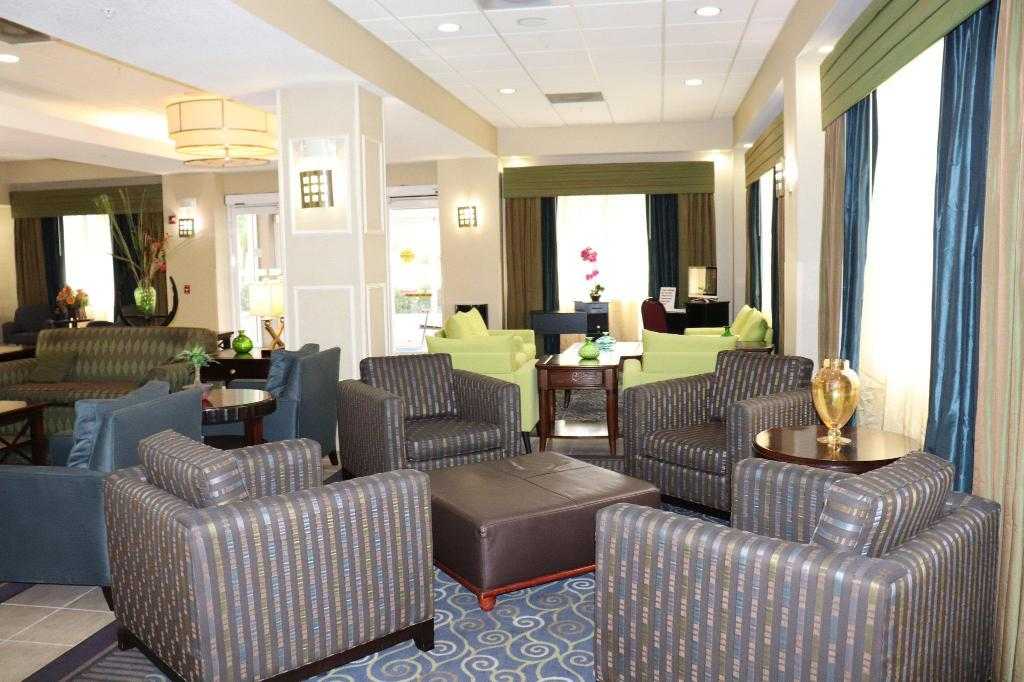 Lobby Holiday Inn Express Hotel & Suites Clearwater US 19 North