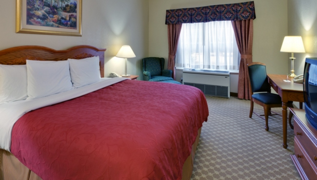 Quarto King - Cama Country Inn & Suites Nashville Airport East