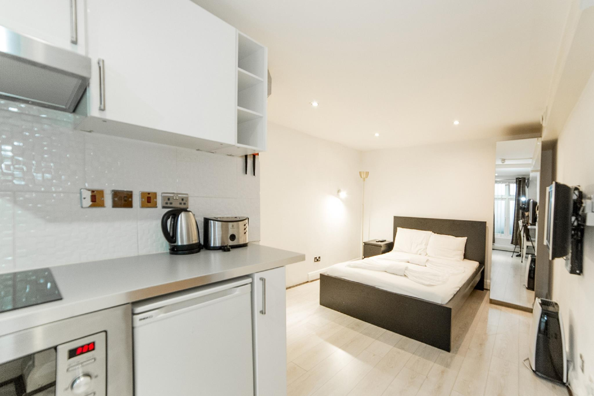Best price on imperial court studios in london reviews for 55 inverness terrace bayswater