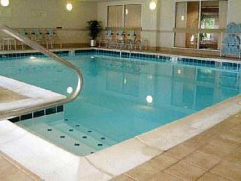 Best Price On Courtyard By Marriott Cleveland Airport South Hotel In Cleveland Oh Reviews