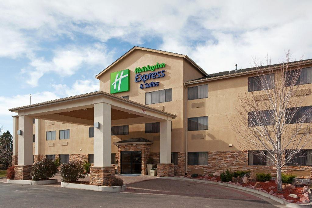 Holiday Inn Express Hotel & Suites Co Springs-Air Force