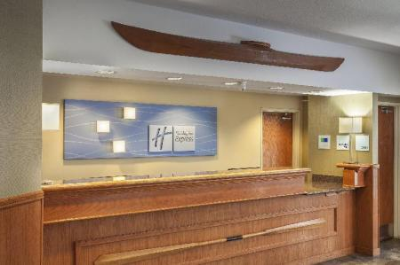 Лобби Holiday Inn Express Anchorage