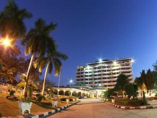 The Grand Paradise Hotel