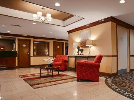 Лобби Best Western Louisville East