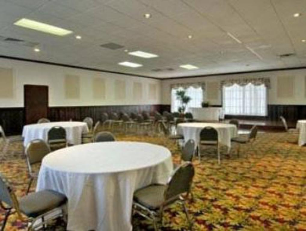 Ballroom Travel Inn