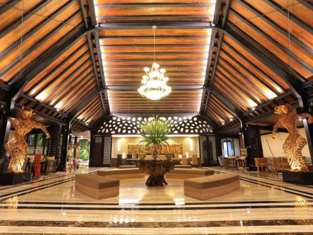 Lobby Ijen Suites Resort and Convention
