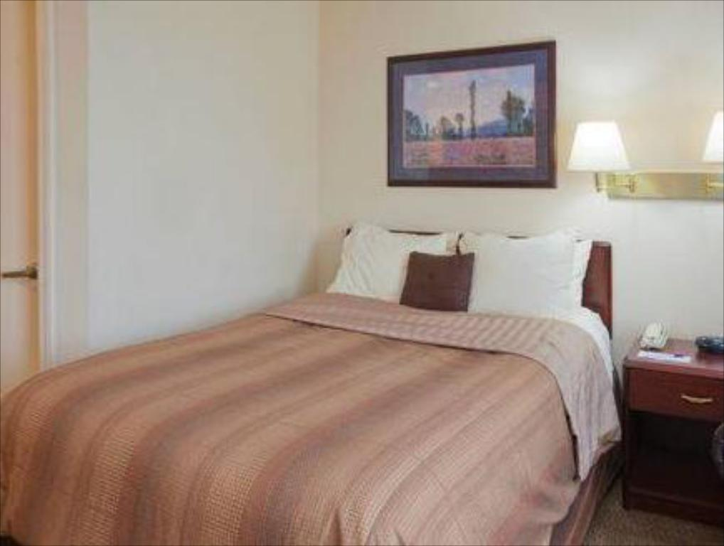 Standard Suite One Queen Bed - Katil Candlewood Suites Birmingham