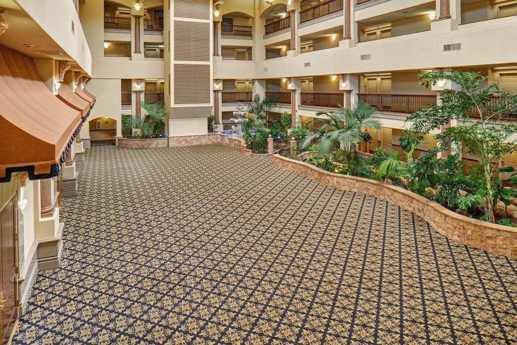 radisson hotel el paso airport in el paso tx room. Black Bedroom Furniture Sets. Home Design Ideas