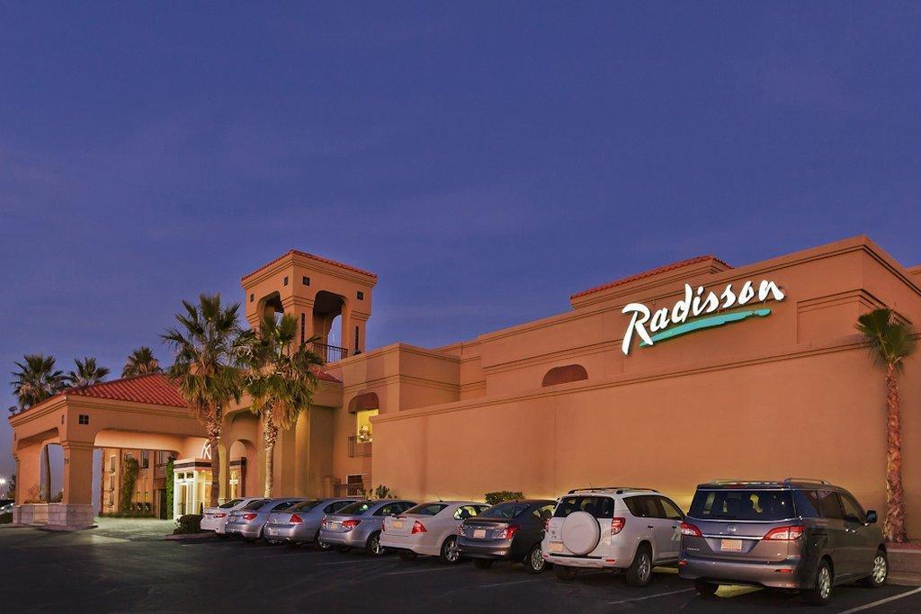 Radisson Hotel El Paso Airport in El Paso (TX) - Room Deals, Photos & Reviews