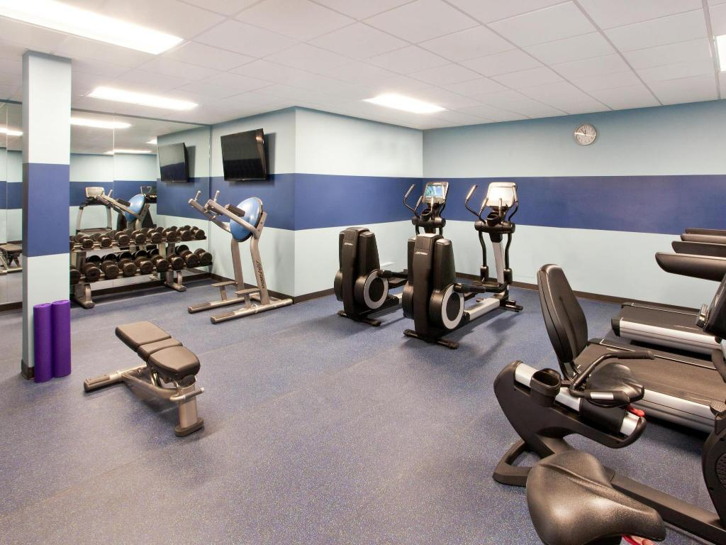 Fitness center Four Points by Sheraton Cleveland Airport