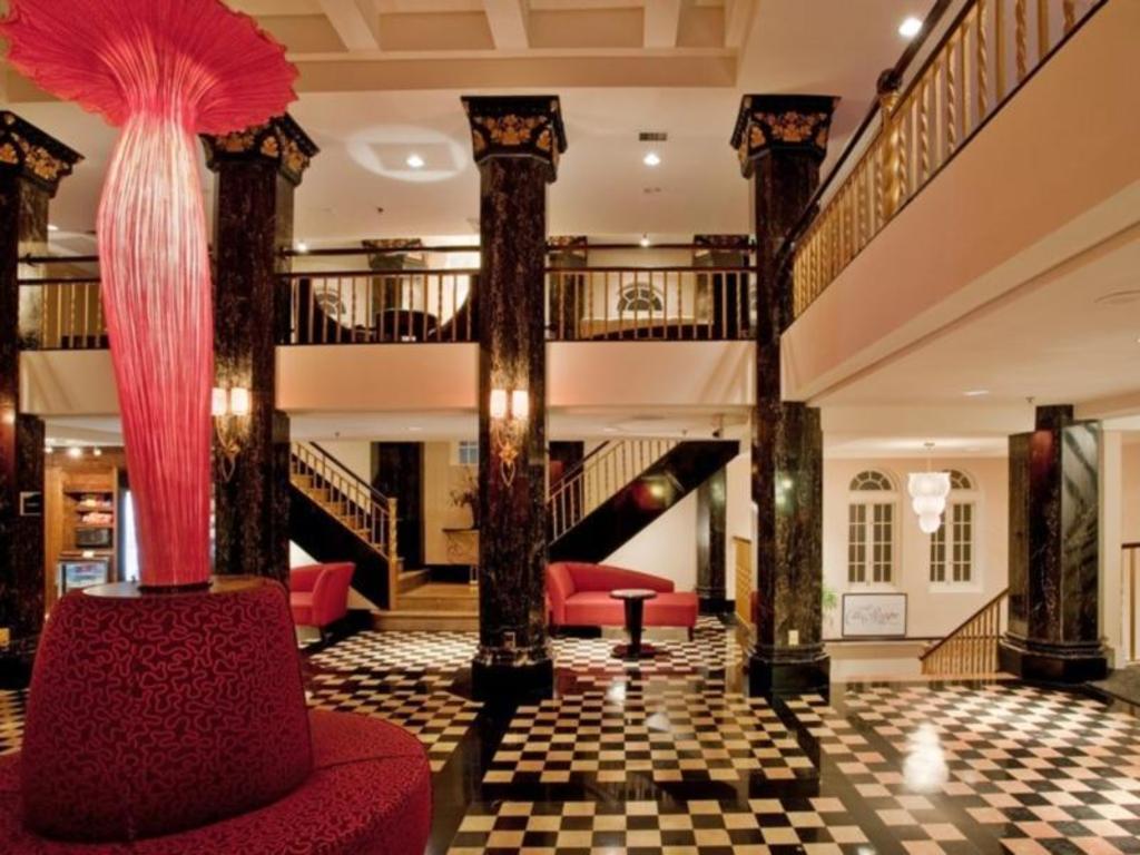 Holiday Inn Kansas City Downtown Aladdin in Kansas City (MO) - Room Deals, Photos & Reviews