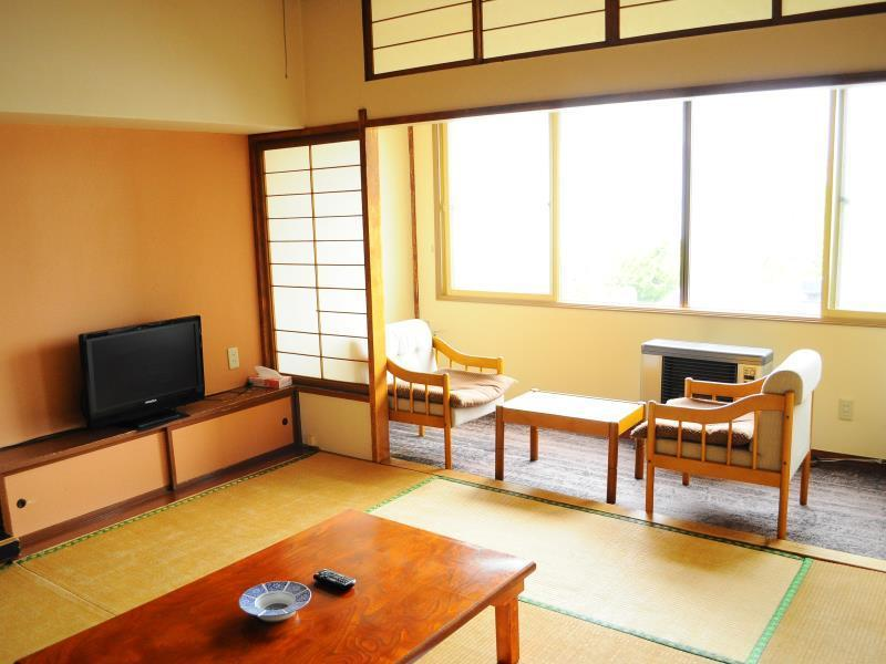 日式客房-附共用衛浴 (Japanese-Style Room with Shared Bathroom)