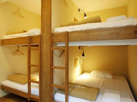 1 Person in 4-Bed Dormitory - Female Only - Room plan The Lower East Nine Hostel