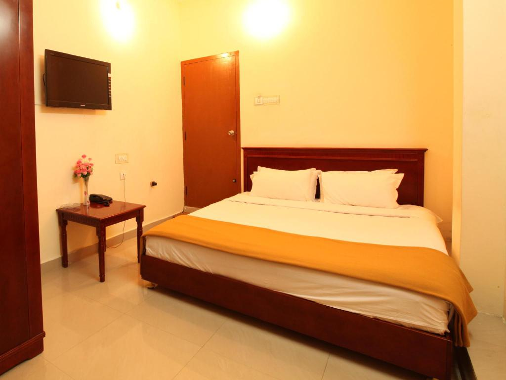 Lotus Double Room BKR Resorts Courtallam