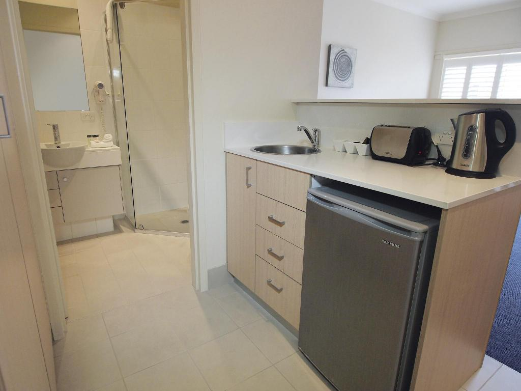 Studio without Cleaning Service - Interior view Oaks Port Stephens Pacific Blue Resort