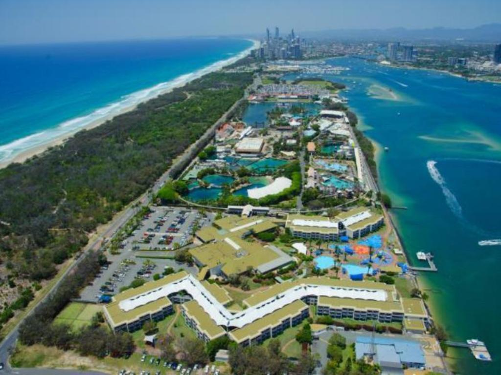 Resort Double - Aerial view Sea World Resort & Water Park