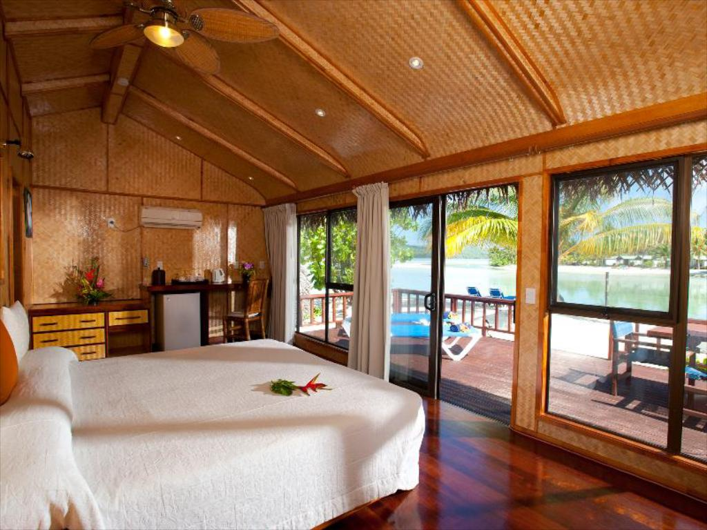 Beach Front Bungalow  Aitutaki Lagoon Resort & Spa (Adults Only)