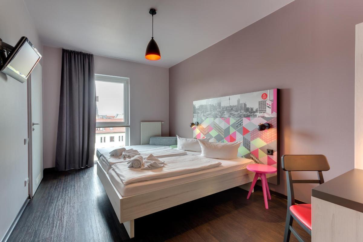 Meininger Hotel Berlin Alexanderplatz In Germany Room Deals Photos Reviews