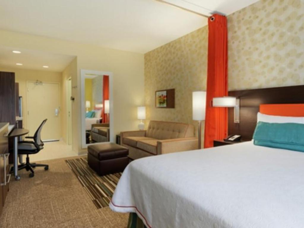2 Queen Accessible Tub Studio Non-Smoking - Guestroom Home2 Suites By Hilton Knoxville West
