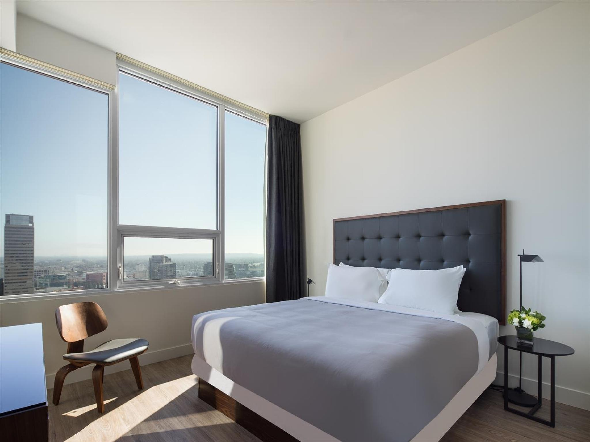 Deluxe Two-Bedroom Suite - High Floor