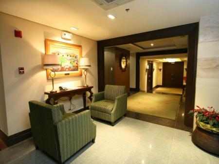 Vestabils Crown Regency Hotel Makati