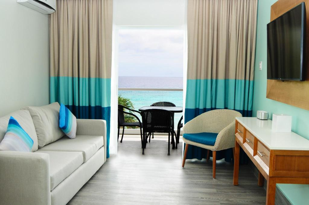 1 Bedroom Ocean View - Guestroom