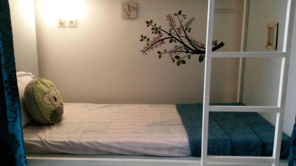 1 Person in 12-Bed Dormitory - Male Only Butik Capsule Hostel