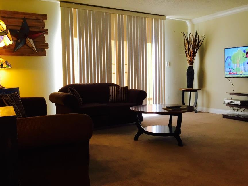 Aaa 3 Bedroom Convention Center Luxury Condos 3 Bed-1 King 2 Queens Family Suite