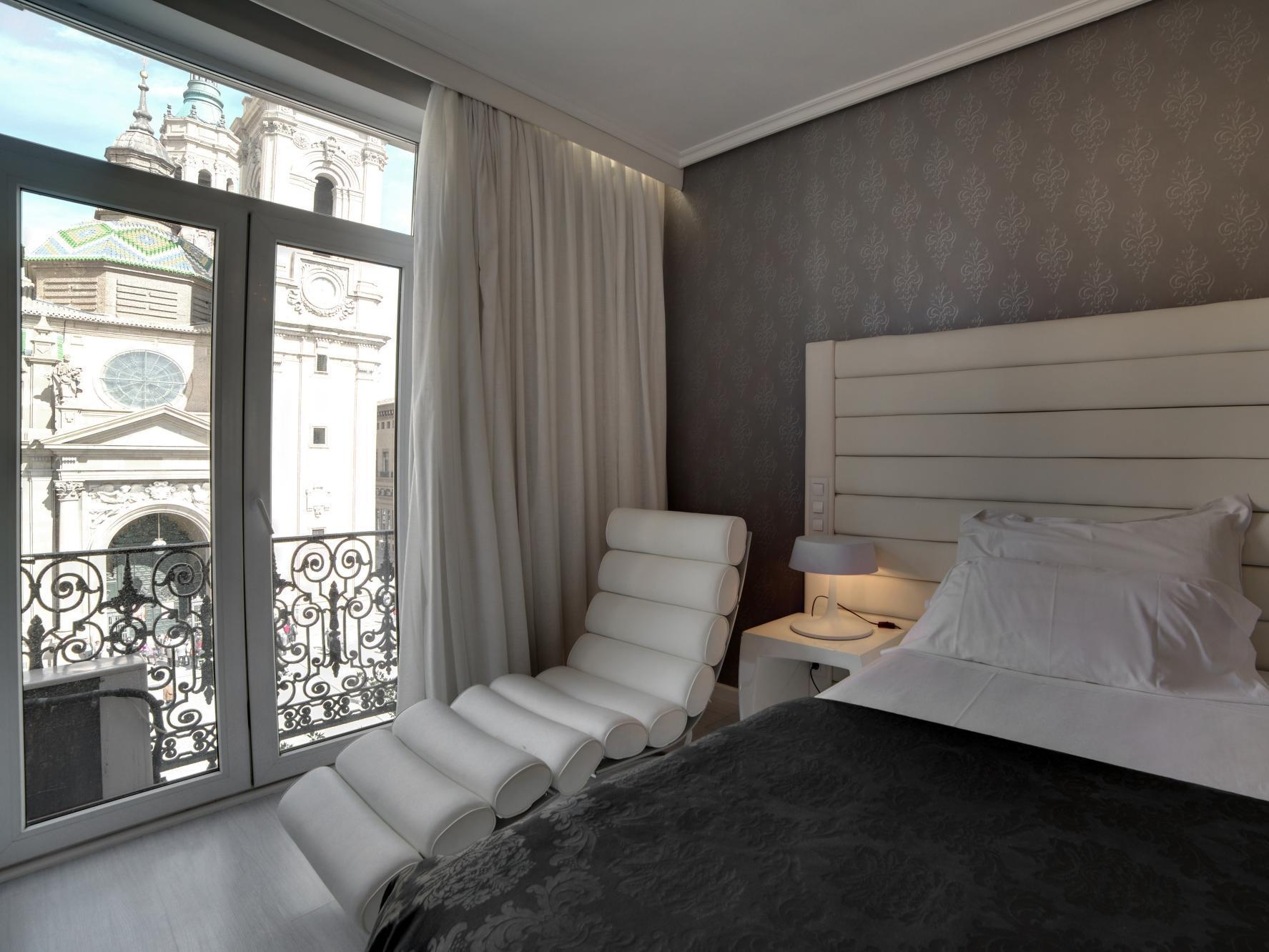 Double Room with View of El Pilar