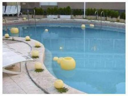 Swimming pool Hotel Tres Reyes