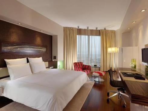 Swiss Advantage Room (Advance Purchase)