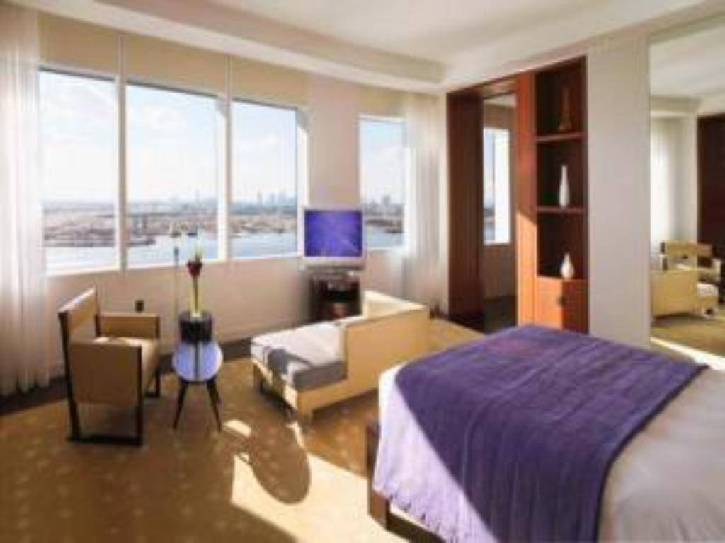 Presidential One Bed Suite Khalifa Views