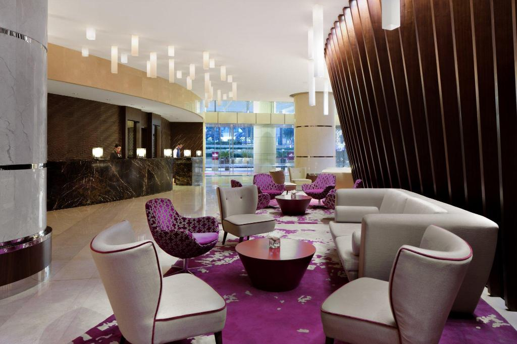 Lobby Crowne Plaza Dubai Festival City