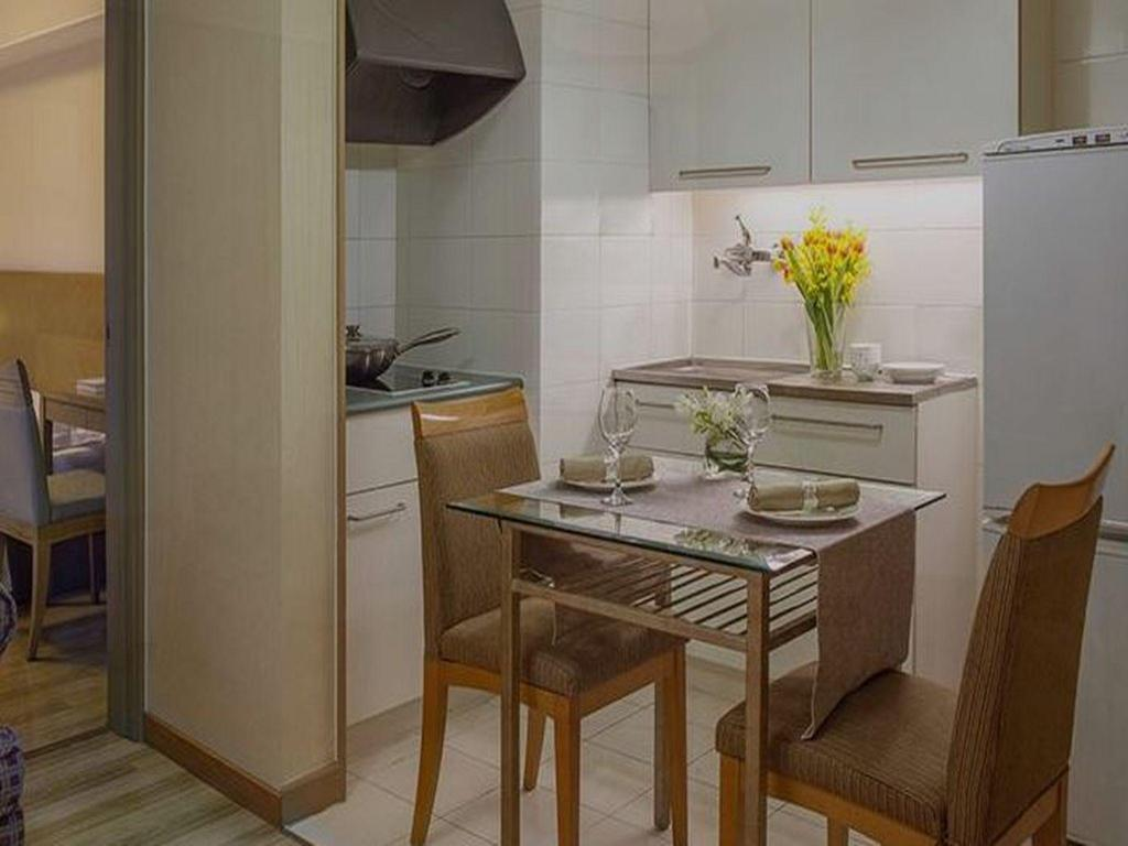 1 Bedroom Superior - Kitchen Landmark Service Apartment