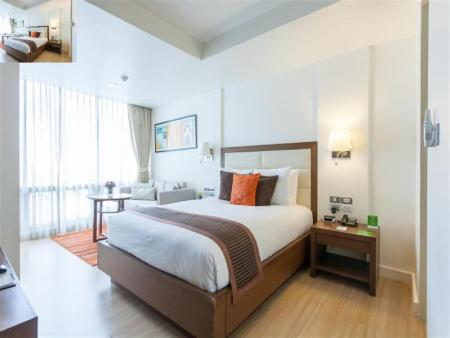 Studio Superior Double Oakwood Residence Sukhumvit 24 Hotel