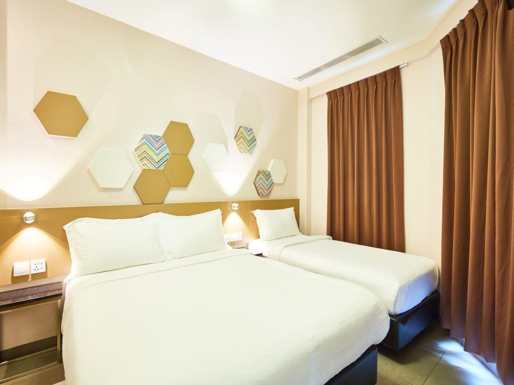 Superior Room with 1 Double Bed and 1 Single Be d - お部屋概要
