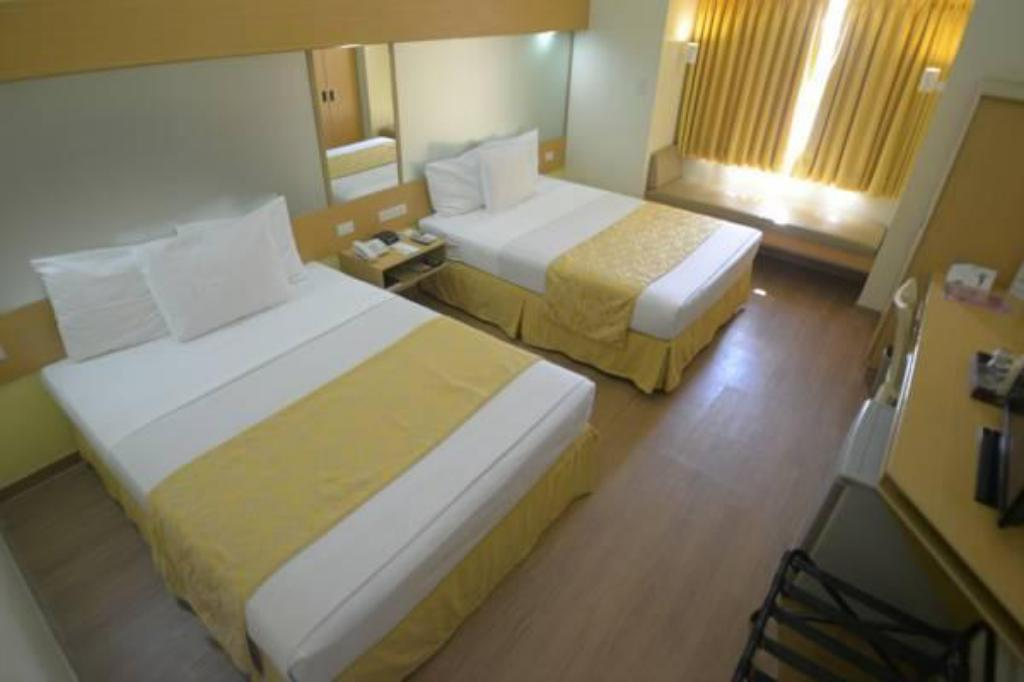 2 Queen Beds Room - Guestroom Microtel by Wyndham Davao