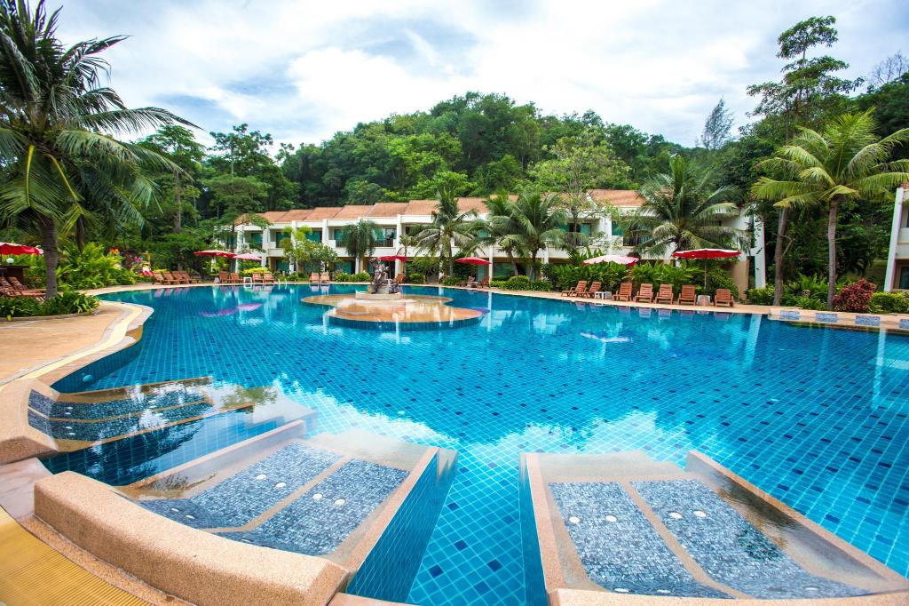 Lanta Resort Hotel - room photo 8625376