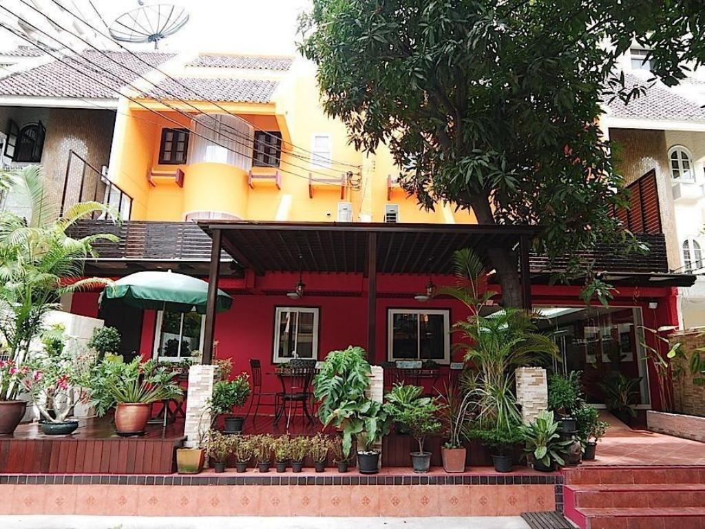 More about Oasis Inn Bangkok Hotel