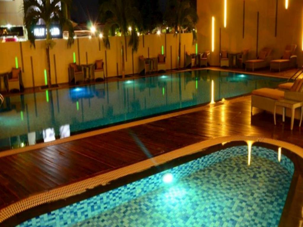 Swimming pool [kids] Nagoya Hill Hotel Batam