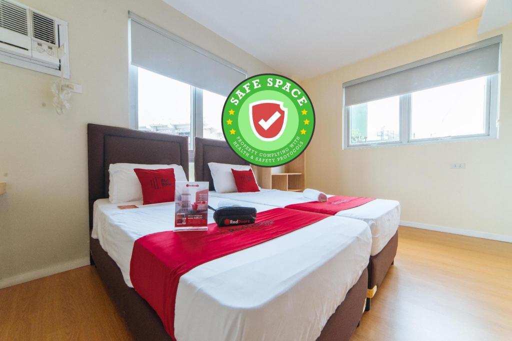 Reddoorz Plus A Rita Street San Juan Hotel Manila Deals Photos Reviews