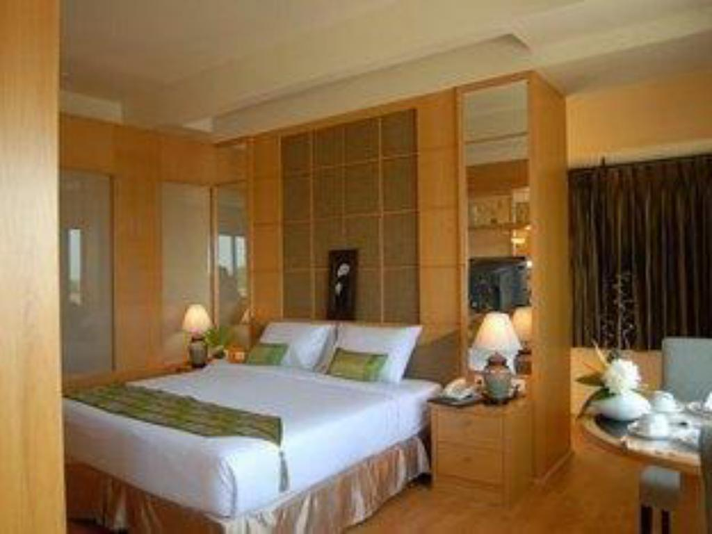 Suite Junior - Kamar tidur Chakungrao Riverview Hotel