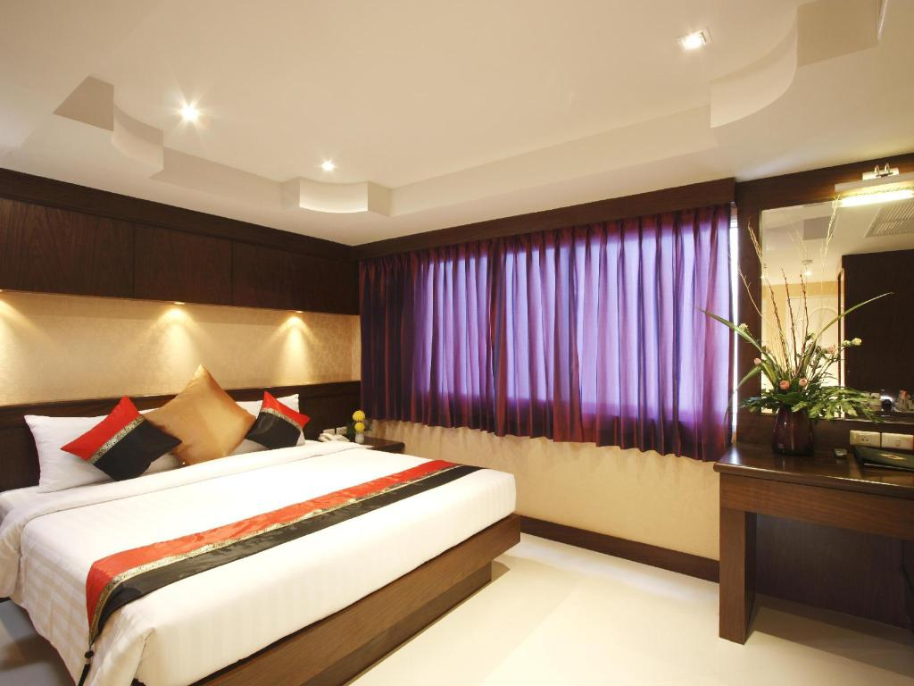 See all 6 photos Rayaburi Hotel Patong