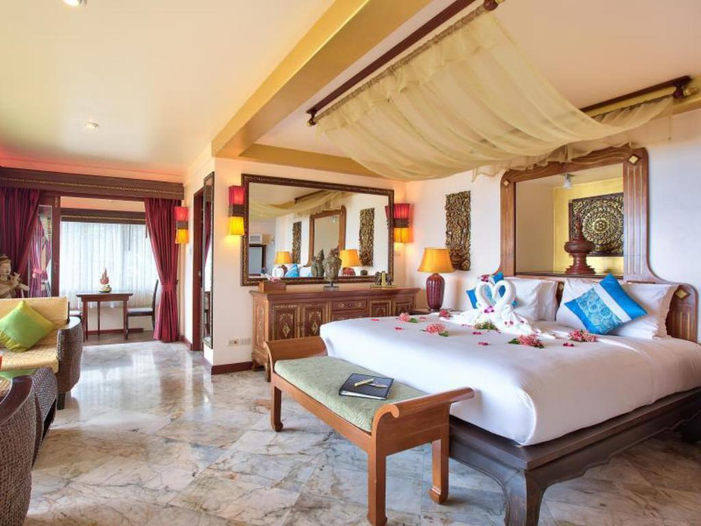 Jacuzzi Studio - Guestroom Sandalwood Luxury Villas
