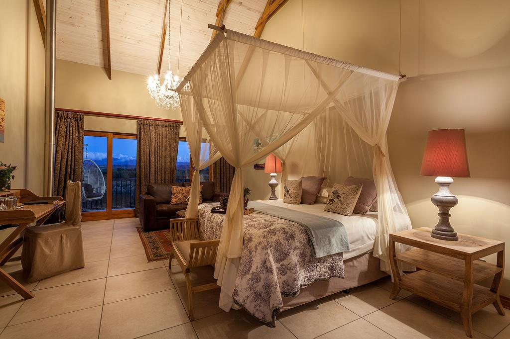 Superior Honeymoon Suite