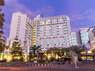 Grand Clarion Hotel and Convention
