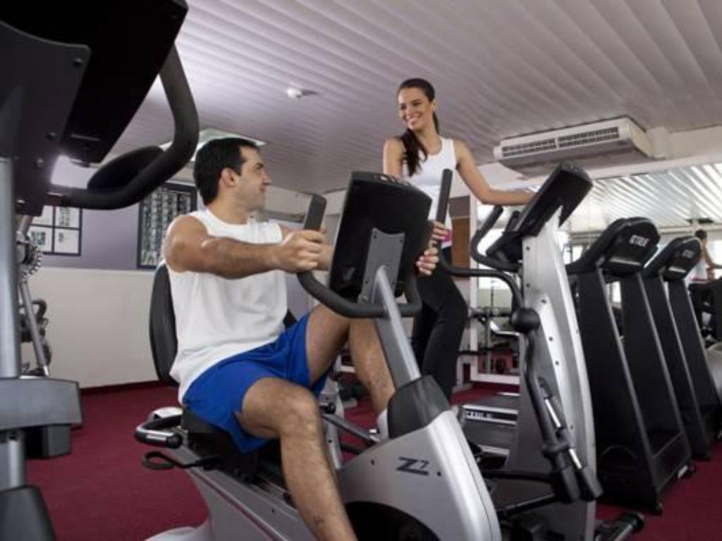 Fitness center The Executive Hotel