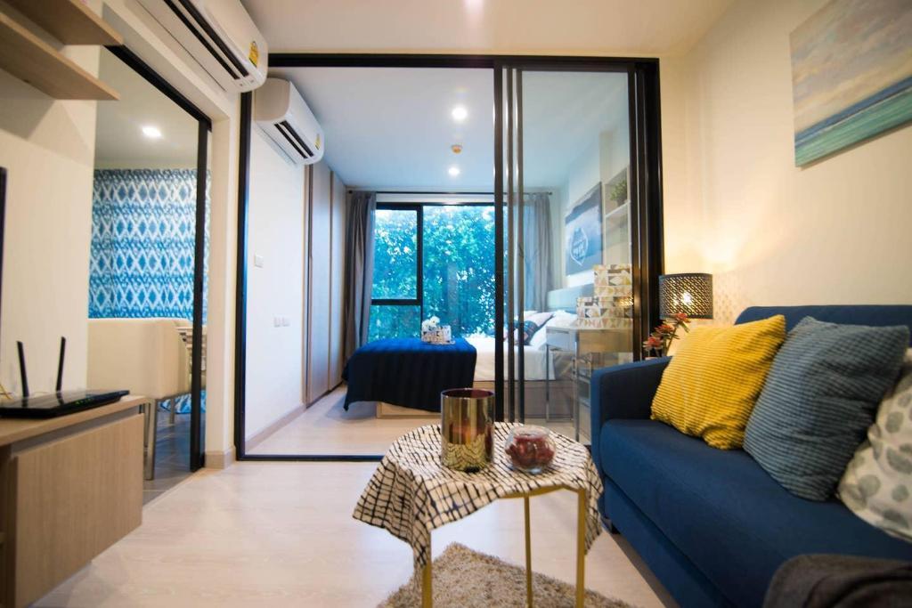 Exquisite Art And One Bedroom Apartment Entire Apartment Bangkok Deals Photos Reviews
