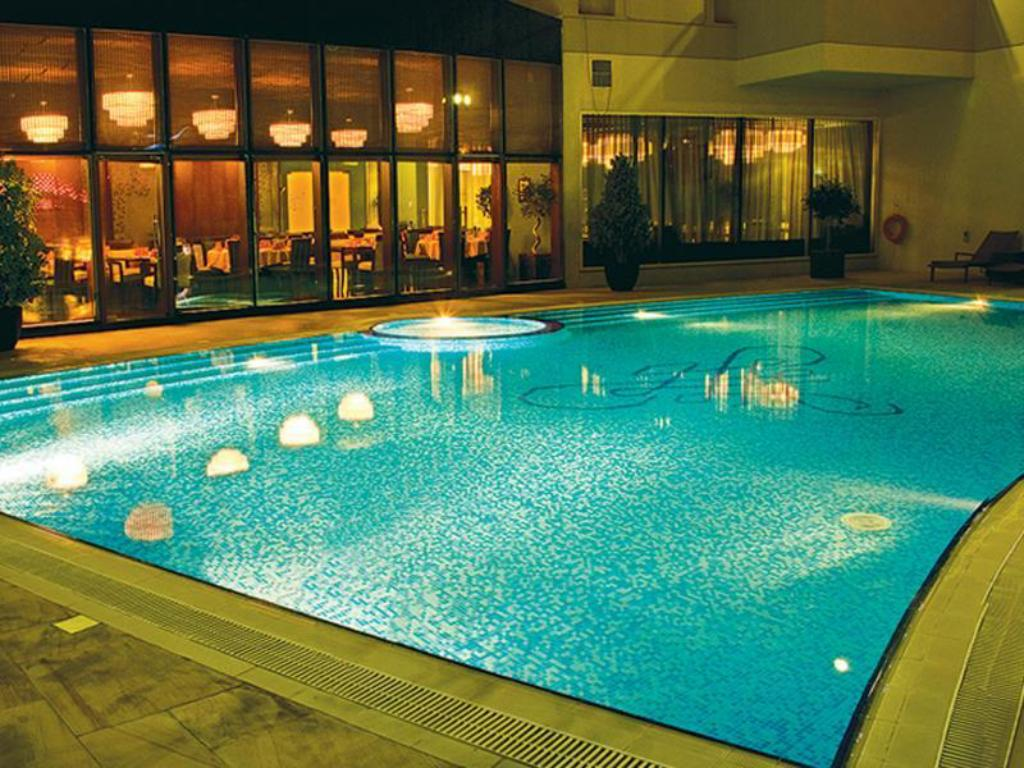 Swimming pool [outdoor] Flora Park Deluxe Hotel Apartments